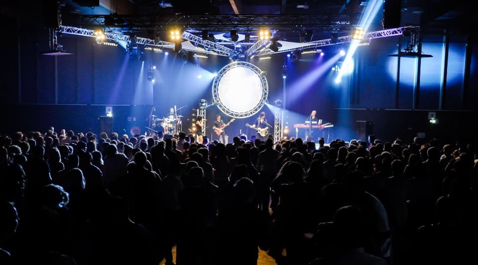 Live Party Bands for Hire in France, Smart Music Band.
